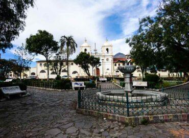 Aloasí Central Square